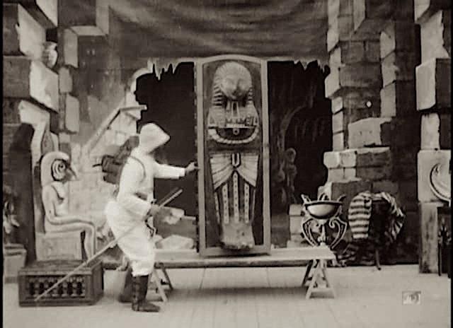 Méliès,_Infortunes_d'un_explorateur_(frammento,_Star_Film_234,_1900)